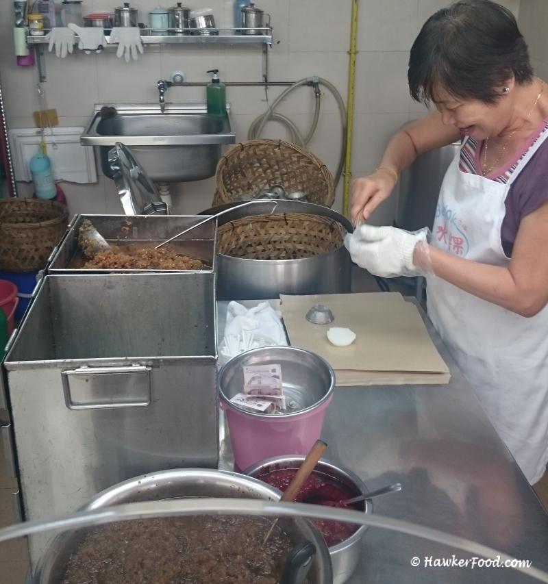 Bedok Chwee Kueh Stall Lorong Ah Soo Auntie
