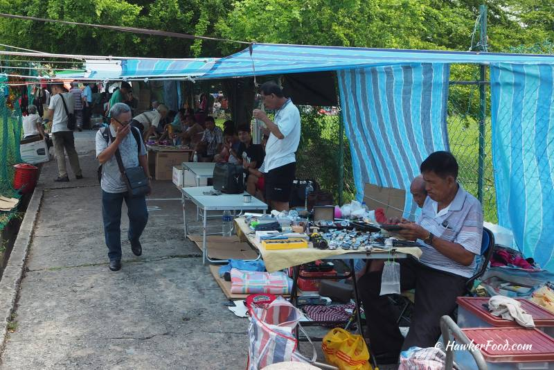 Sungei Road Thieves Market Side Lane